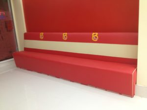 RED FAST FOOD RESTAURANT SEATS