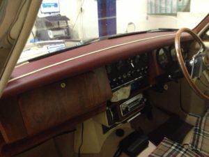 CLASSIC CAR AUTO TRIMMER